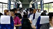 バス車内のトーク(イメージ)