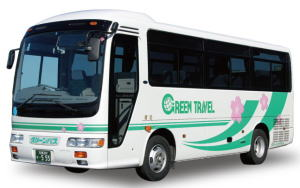 小型バス(本席19席+補助席4席、,サロン席可能,7m,有料道路代は中型)
